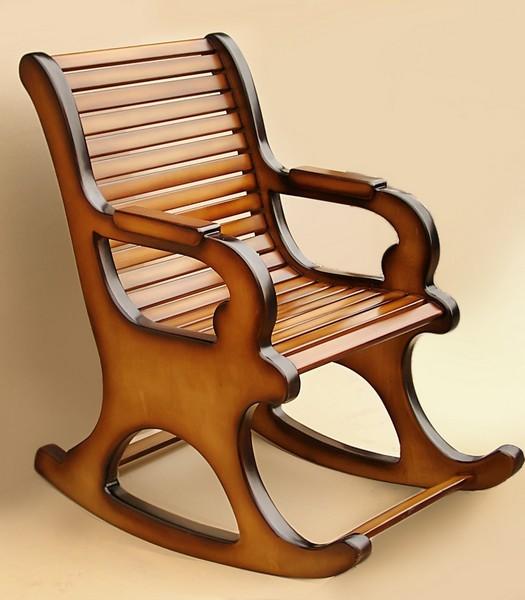 Деревянные кресла качалки