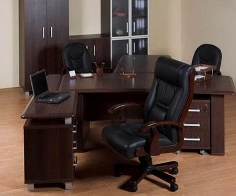 Кожаное кресло руководителя – настоящая роскошь