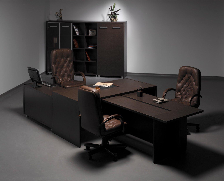 Кресло для руководителя фирмы