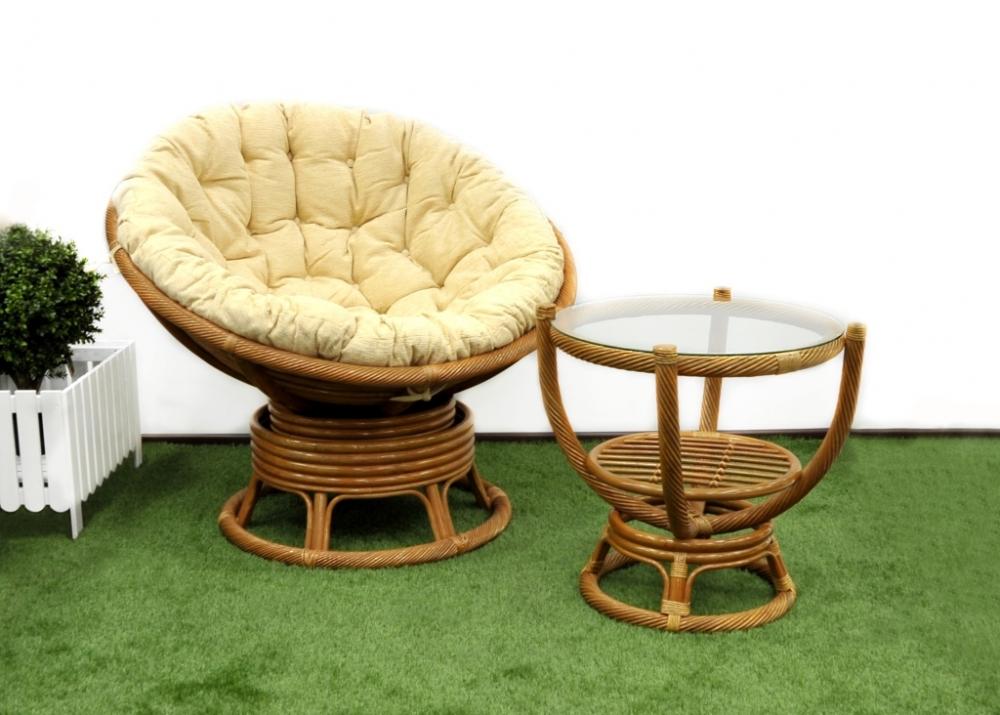 Кресло и стол
