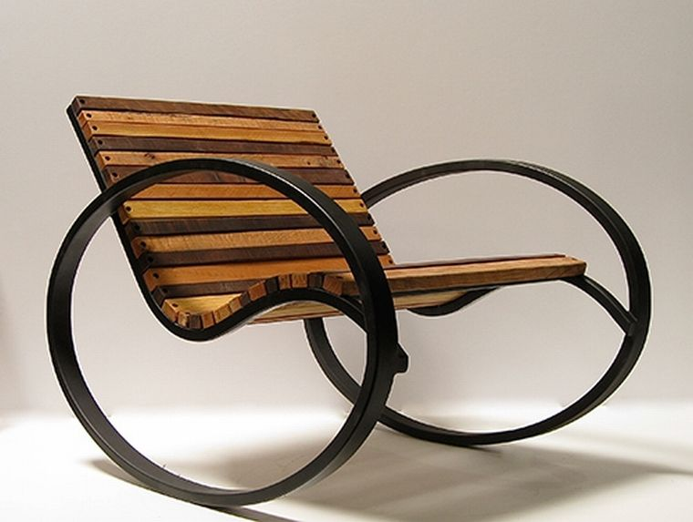 Кресло качалка в классическом стиле