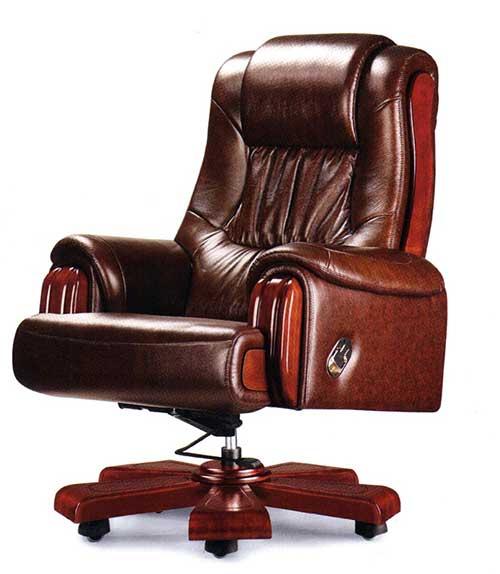 Массивно кожаное кресло