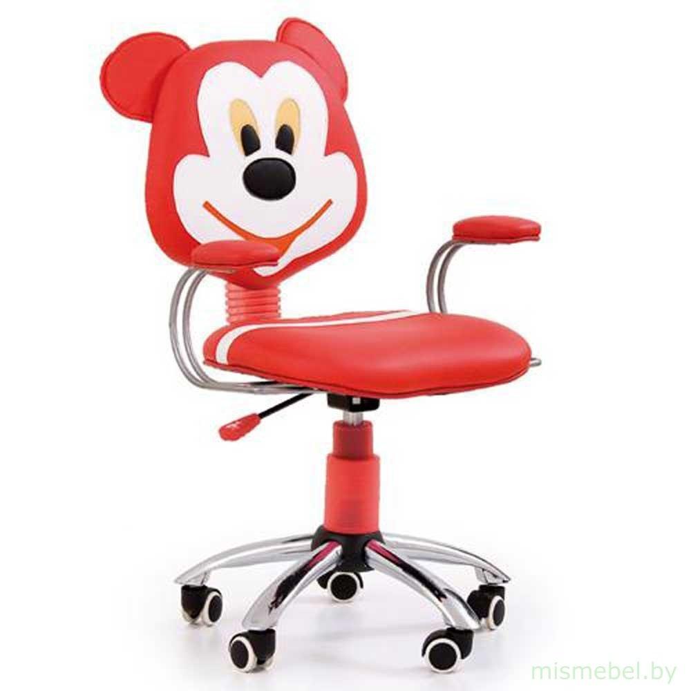 Обыкновенный детский стул для работы за компьютером