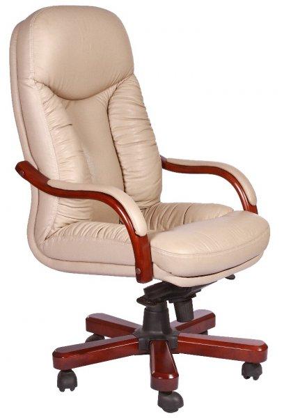 Светлое кожаное кресло
