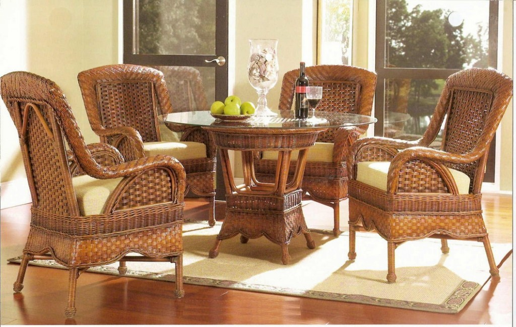 Виды плетеной мебели различаются по нескольким направлениям
