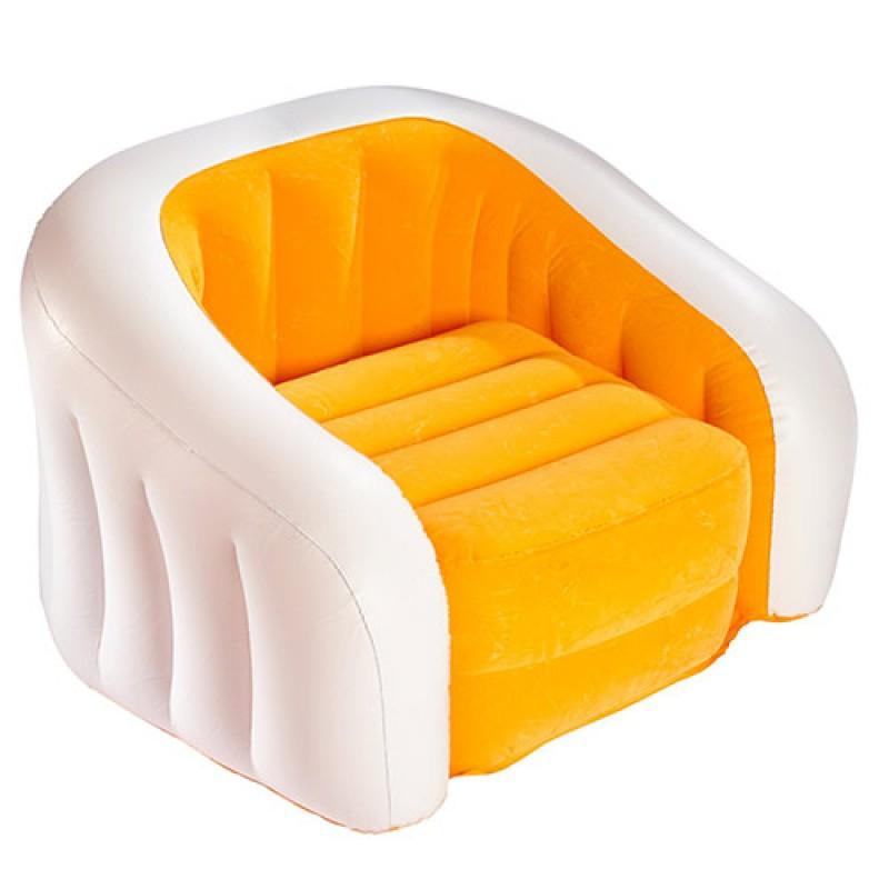Желто-белое надувное кресло