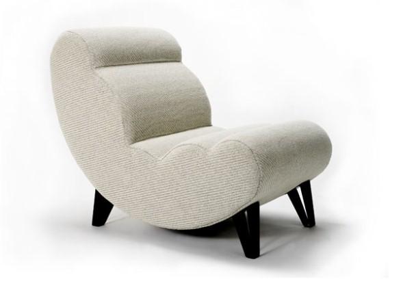 Белое кресло в спальню