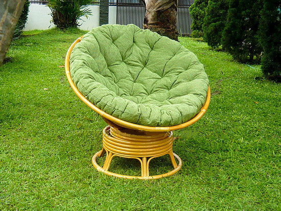 Красивое кресло для дачи