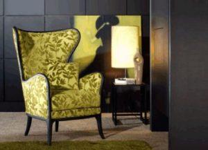 Кресла возле камина