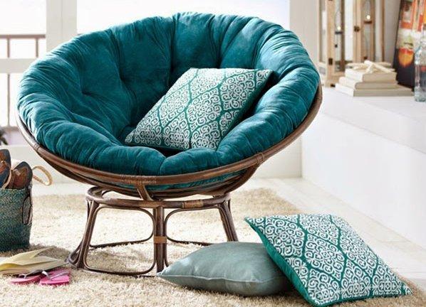 Кресло из ротанга в интерьере