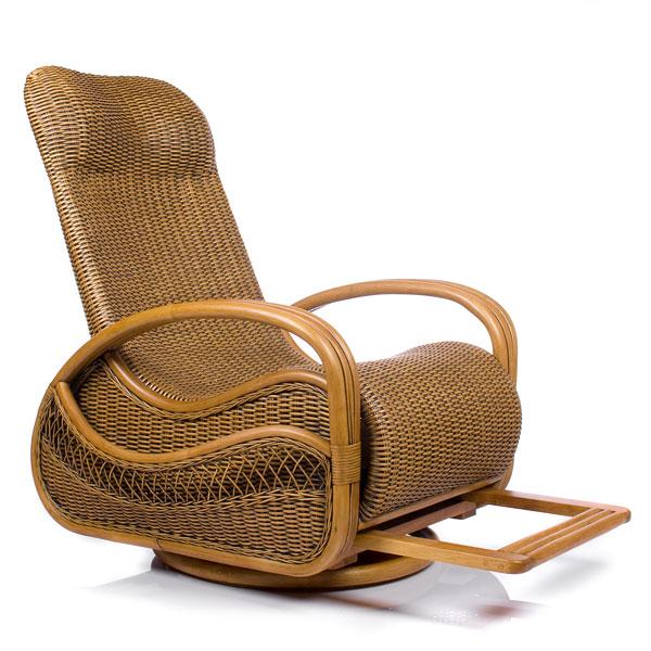 Кресло с подставкой для ног маме