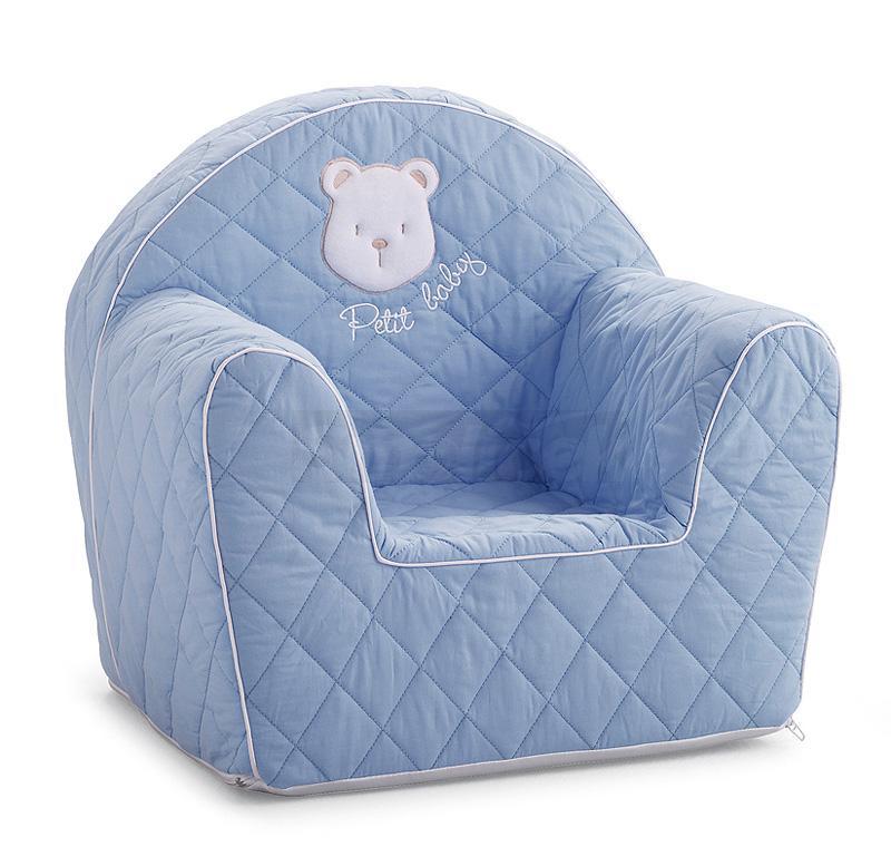 Маленькое мягкое кресло в детскую