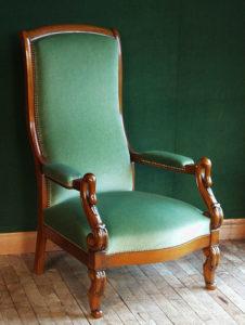 Мебель классическая