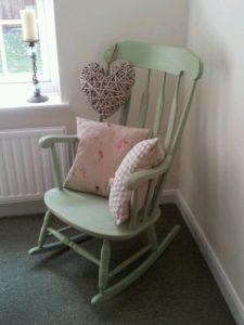 Удобное кресло качалка