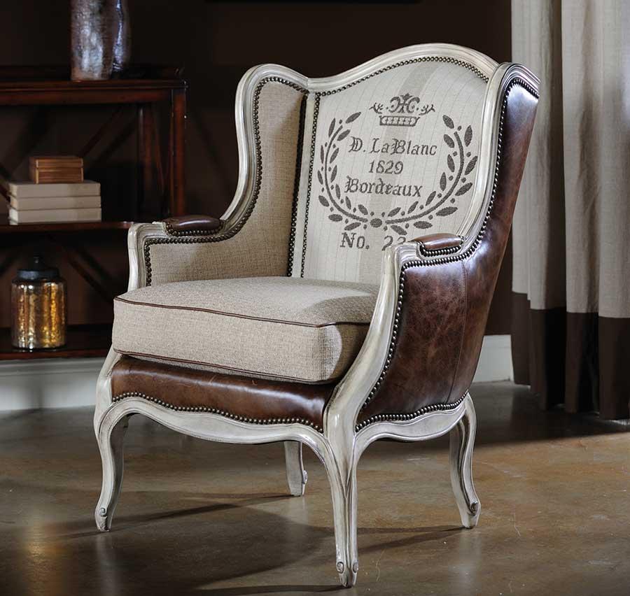 Вольтеровское кресло во французском стиле