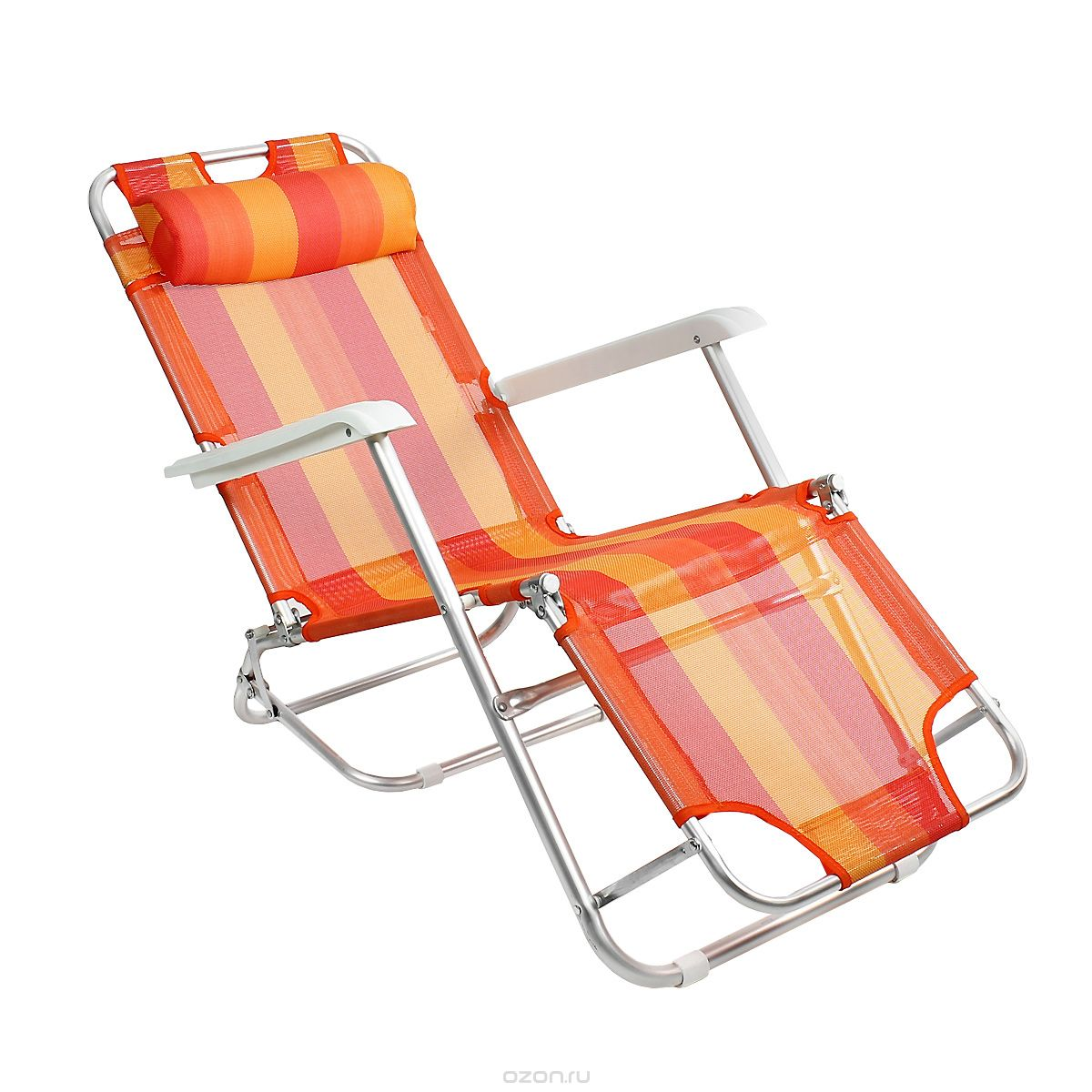 Яркое кресло шезлонг