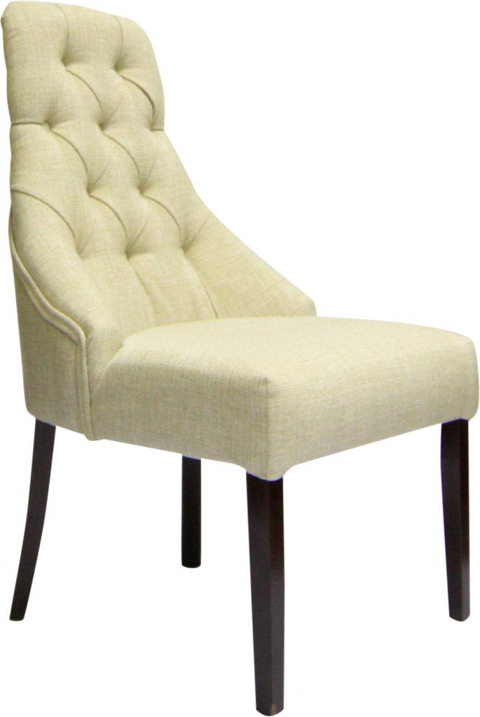 Белое классическое кресло из велюра