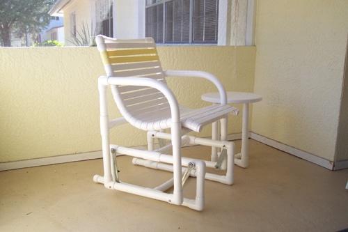 Белые трубы для изготовления кресла