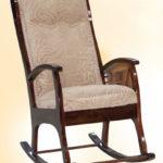 Березовое практичное кресло для дома