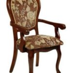 Деревянное кресло для обустройства дома
