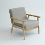 Деревянное мягкое кресло для дома