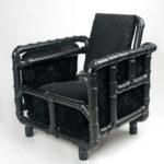 Дизайнерские черные кресла из труб