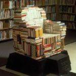 Дизайнерское кресло на основе книг
