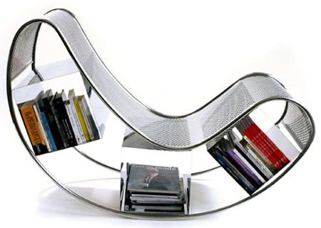 Дизайнерское кресло, созданное из книг