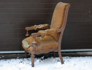 Дубовое кресло для дома