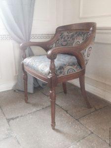 Дубовое кресло для шикарного интерьера