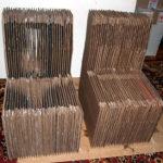 Два кресла из картона
