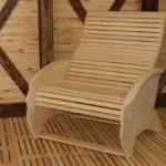 Эргономичное кресло из липы