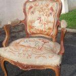 Изготовленное кресло из ореха