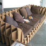 Изготовленное кресло на основе картона