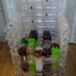 Как сделать практичное кресло из пластиковых бутылок своими руками