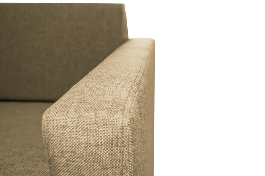 Каркасное кресло из бруса
