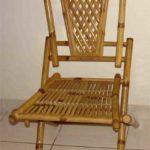 Каркасное кресло, созданное из бамбука