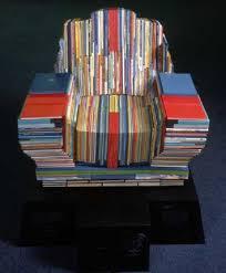 Книги как материал для изготовления кресла