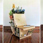 Книжное красивое кресло