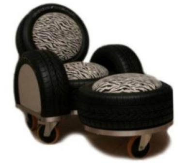 Красивое черное кресло из колес для дома