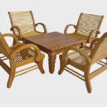 Красивое кресло, изготовленное из массива лиственницы