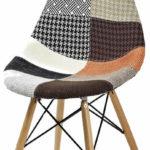 Красивое кресло, созданное из ольхи