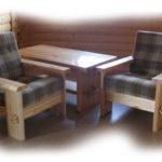 Красивое современное кресло на основе сосны