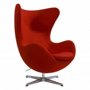 Красное яркое кресло для обустройства