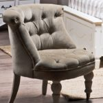 Кресло бархатное в оливковом цвете