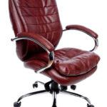 Кресло для работы бордового цвета