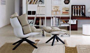 Кресло из алюминия в интерьере дома