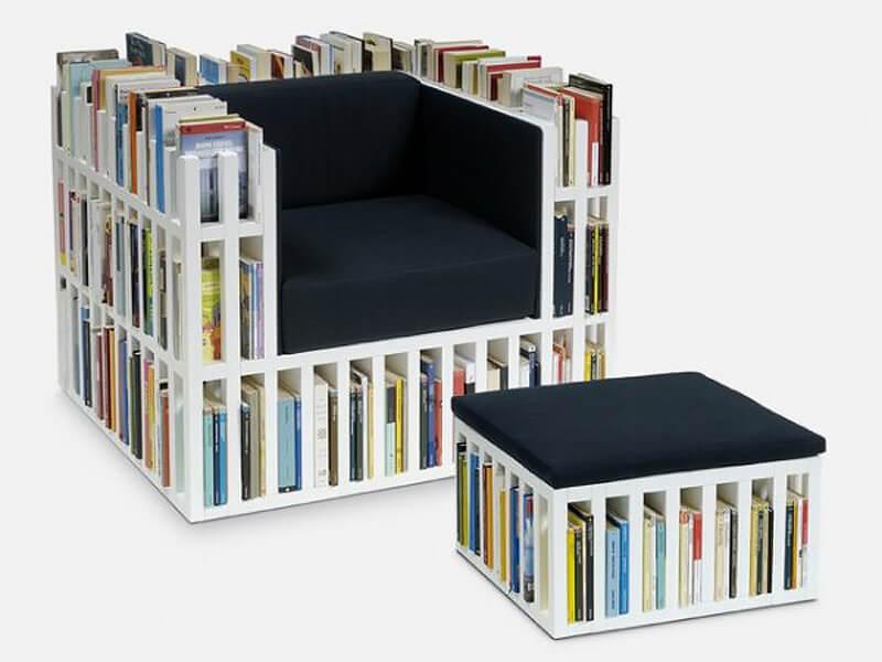 Кресло из книг