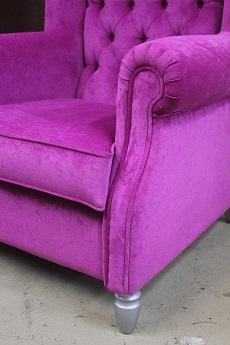 Кресло, изготовленное из велюра