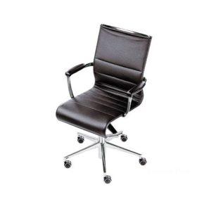 Кресло, созданное из алюминия